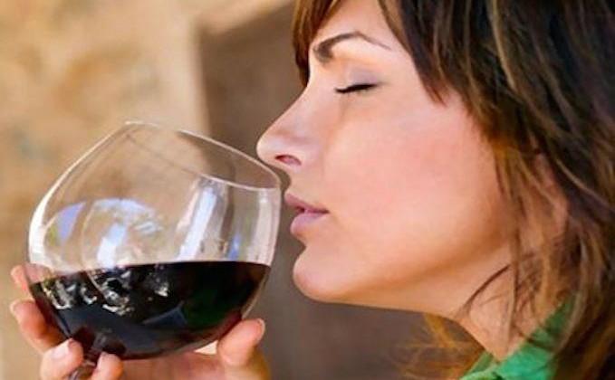 10 Incredibili benefici del vino rosso